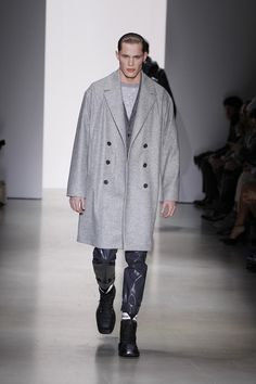Calvin Klein Collection Fall-Winter 2015/16 Menswear Collection | Milano Fashion Week -  - Read full story here: http://www.fashiontimes.it/galleria/calvin-klein-collection-fall-winter-201516-menswear-collection-milano-fashion-week/