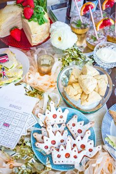 A Royal Wedding Watch Party & Royal Wedding Bingo Here is everything you need to know to throw the most fabulous royal wedding party while you watch Meghan and Harry tie . Vanilla Scones Recipes, Bread Recipes, Wedding Bingo, Tutu Cakes, Dinner Party Menu, Grab And Go Breakfast, Polka Dot Wedding, Bingo Cards, Party Entertainment