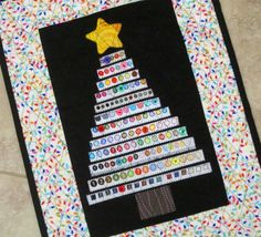 Black And White Christmas Tree Quilt 19 Ideas Black Christmas, Small Quilts, Mini Quilts, Christmas Sewing, Christmas Crafts, Christmas Quilting, Christmas Tables, Etsy Christmas, Quilting Projects