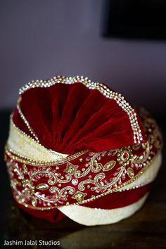 Traditional Indian groom turban. http://www.maharaniweddings.com/gallery/photo/128278