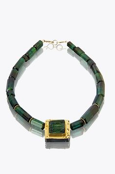 green tourmaline bead choker by sydney lynch jewelry Tribal Jewelry, Jewelry Art, Jewelry Design, Fashion Jewelry, Modern Jewelry, Vintage Jewelry, Bangle Bracelets, Necklaces, Beaded Choker