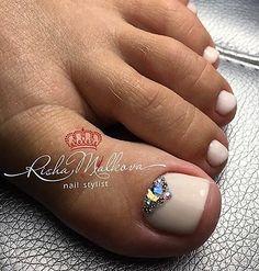 Pretty Pedicures, Pretty Toe Nails, Cute Toe Nails, Toe Nail Art, Gorgeous Nails, White Shellac Nails, Shellac Pedicure, Diy Nails, Shoe Nails