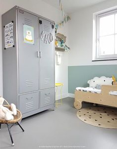 Relaxing Mint and White Kids' Room - Petit & Small Yellow Kids Rooms, White Kids Room, Boys Room Decor, Boy Room, Kids Bedroom, Room Kids, Casa Kids, Deco Kids, Toddler Rooms