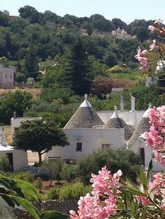trulli in Valle D' Itria, Puglia