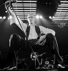 THE THIN WHITE DUKE … @gloriajareth @ilovethethinwhiteduke @jar-eth @bowieakajohn @the-thinwhiteduchess @ravage657 @ejuncal @speedydeerchaos @nosuntoday @lucifer-intheskywithdiamonds @imabination @theedwardscissorhandslover...