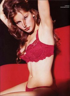 Great collection of Laetitia Casta photos. Laetitia Casta, Photography Women, Amazing Photography, Hair Photography, Victoria Secret Catalog, Victoria's Secret, Guess Girl, French Models, French Beauty