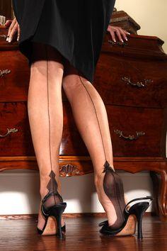 Diamond Heel design by Secrets In Lace: www.secretsinlace.com/product/natalie-diamond-heel-full-fashioned-stocking/Fully_Fashioned_Stocking