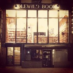 iamallupanja:  Why do I love New York so much- even at 32 degrees in mid November? Because stores like this exist. #scenic #nyc #idlewild #b...