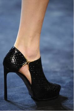 Sexy black heels from Lanvin