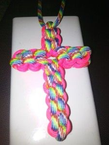 Paracord Necklace - Paracord Cross Instructions