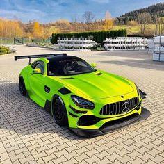 Luxury Sports Cars, Top Luxury Cars, New Sports Cars, Sport Cars, Mercedes Benz Vito, Autos Mercedes, Lamborghini Gallardo, Ferrari Laferrari, Bugatti Veyron