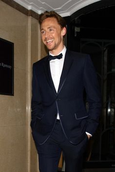Tom Hiddleston. HIS SMILE IS LIKE AN EXPLOSION OF RADIANCE!
