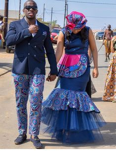 Explore South African wedding traditions, latest Igbo traditional wedding attire, what to wear to a Ghanaian wedding, shweshwe wedding dresses and Sepedi Traditional Dresses, African Traditional Wedding Dress, Traditional Wedding Attire, Zulu Traditional Attire, Traditional Weddings, African Fashion Dresses, African Dress, African Outfits, African Attire