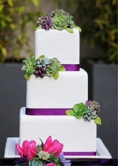 Hochzeitstorte selber backen dekorieren Sukkulente aus Zucker