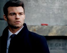 Animated gif discovered by Fernanda Fassbender. Find images and videos about gif, daniel gillies and elijah mikaelson on We Heart It - the app to get lost in what you love. Daniel Gillies, Elijah The Originals, The Originals Characters, Elijah Vampire Diaries, Vampire Diaries The Originals, Rick And Morty Poster, Joseph Morgan, Evan Peters, Jamie Fraser