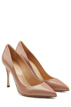 Made+in+Italy+with+the+highest+quality+leather,+these+nude+patent+'Godiva'+pumps+from+Sergio+Rossi+are+styled+with+a+sharp+pointed+toe+…