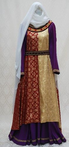 Medieval surcoat (13th c.)