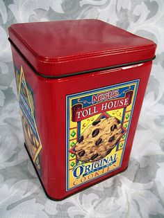 1970's NESTLE Toll House Cookie Tin. ❣Julianne McPeters❣ no pin limits