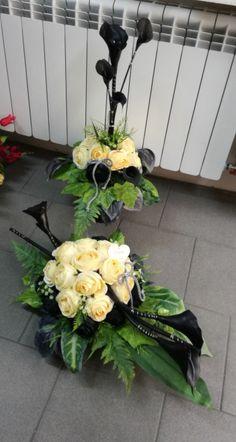 Sympathy Flowers, Funeral Flowers, Floral Wreath, Wreaths, Nails, Plants, Flower Arrangements, Ideas, Church Flower Arrangements