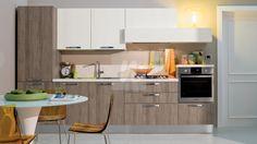 Bucataria Martina este un ansamblu compact de corpuri de mobilier, care ofera tot ceea ce este necesar, pe un spatiu redus/un singur perete.