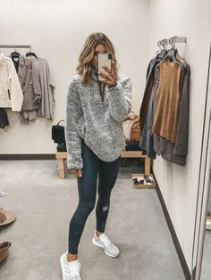 Timeless And Comfy Jean Outfits For Travelling - FashionActivation Nordstrom Anniversary Sale Guide: 2019 Early Access Try-On Session Outfit Jeans, Sweatpants Outfit, Outfits Leggins, Cute Outfits With Leggings, Cute Lazy Outfits, Casual School Outfits, Teenage Outfits, Sporty Outfits, Fall Fashion Outfits