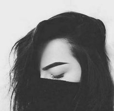Girl Photo Poses, Girl Photos, My Photos, Tattoo Photography, Photography Women, Facebook Pic, Beautiful Girl Photo, Photos Tumblr, Sad Girl
