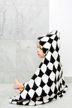 Ręcznik z kapturem w romby marki Elodie Details Baby Boy Fashion, Toddler Fashion, Kids Fashion, Elodie Details, Baby Towel, Little Babies, Baby Gifts, New Baby Products, Hoods
