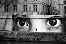 The street art world has undergone a massive shift in the past few years, with famous figures like Banksy and Shepard Fairey elevating the medium to main. 3d Street Art, Urban Street Art, Best Street Art, Amazing Street Art, Street Art Graffiti, Street Artists, Urban Art, Amazing Art, Awesome