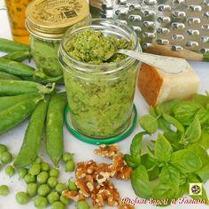 Pesto di piselli al basilico con noci
