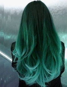 Dye your hair to fluo green hair color - temporarily use crazy green hair dye to achieve brilliant results! DIY your hair neon green with green hair chalk Green Hair Dye, Dye My Hair, Ombre Green, Teal Green, Brown Teal, Mint Green Hair, Mint Hair, Teal Hair Dye, Emerald Green Hair