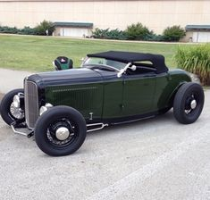 Hot Rods 480618591485529350 - Source by bessuand Hot Rod Trucks, Lifted Ford Trucks, Classic Trucks, Classic Cars, 32 Ford Roadster, Car Man Cave, Traditional Hot Rod, Hot Rides, Sweet Cars