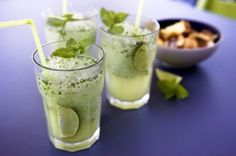 An inescapable recipe of Mojito ! (with or without alcohol) Thermomix on Yummix Smoothies Thermomix, Thermomix Desserts, Cocktails, Cocktail Drinks, Cooking Chef, Cooking Time, Thermomix Cocktail, Lidl, Smothie