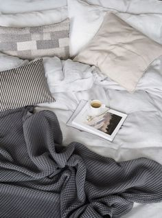 Beautiful linen bedding - relaxed living - simple interiors. How to care for your bed linen, with eco-friendly dry cleaners BLANC