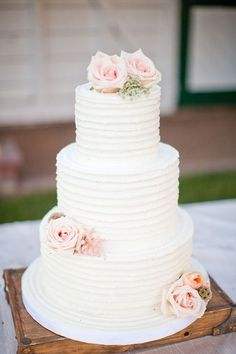 rustic themed wedding cake ideas with blush roses