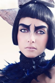 ELECTRÖN by TÖN VANGARD I totally adore this photo/makeup/model/everything! <3