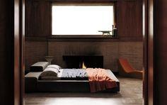 chambre cosy - lit design en cuir capitonné gris clair, tapis design ...