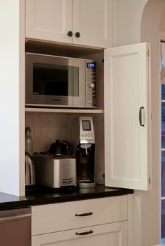 Home Interior Apartment 30 Astonishing Hidden Kitchen Storage Ideas You Must Have.Home Interior Apartment 30 Astonishing Hidden Kitchen Storage Ideas You Must Have Modern Kitchen Cabinets, Cute Kitchen, Kitchen Flooring, Kitchen And Bath, Diy Kitchen, Kitchen Storage, Kitchen Cupboard, Soapstone Kitchen, Kitchen Organization