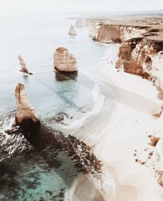 travel tip australia Great Ocean Road, Australien - traveltip Oh The Places You'll Go, Places To Travel, Travel Destinations, Great Barrier Reef, Nature Sauvage, Adventure Is Out There, Australia Travel, Melbourne Australia, Adventure Travel