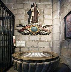 """""""El Secreto de las Teresas"""". Así se ha denominado al contenido oculto tras una lápida conmemorativa del IV Centenario del bautismo de Teresa de Jesús, en 1915. La inscripción de dicha …"""