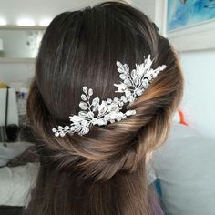 Excited to share the latest addition to my #etsy shop: Bridal hair pins for your simple and elegand wedding updo #babysbreathhair #weddingheadpiece #bridalheadpiece #weddinghairpiece #hairaccessories #bridalhaipins #weddinghaipin #silverhairbrooch #bridalhairbrooch #silverflowerhairpiece http://etsy.me/2j4Ba5H