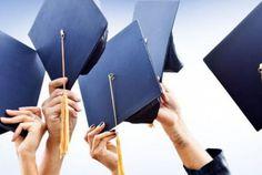 Αεριτζίδικο μεταπτυχιακό εξ αποστάσεως   Αντιδρούν οι πρυτάνεις στο νομοσχέδιο για τα μεταπτυχιακά και τα διδακτορικά προγράμματα σπουδών που έχει τεθεί σε δημόσια διαβούλευση από το υπουργείο Παιδείας υποστηρίζοντας ότι τίθεται ζήτημα ακαδημαϊκότητας και αυτοδιοίκητου των πανεπιστημιακών σχολών. Τη στιγμή που εκφράζουν φόβους ότι λόγω του περιορισμού των διδάκτρων θα κλείσουν μεταπτυχιακά προγράμματα και οι φοιτητές θα πάνε σε ιδιωτικά πανεπιστήμια της Κύπρου κλείνουν συμφωνίες με τα ίδια…