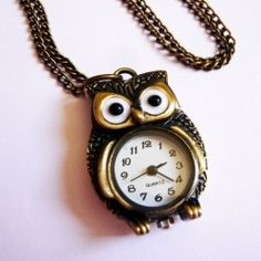 This cute little owl rests low on your neckline and guaranteed to turn heads!