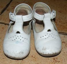 Как спрятать ободранные носы на детских туфельках