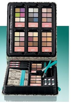 Gorgeous to Go Beauty Set. Starting at $12 on Tophatter.com!