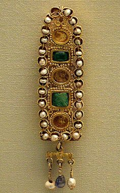 Roman, 3rd century AD, Tunis Gold hair ornament
