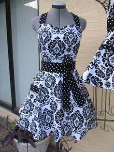 Handmade Vintage ApronSweetheart Style Black by AquamarsBoutique, $36.00