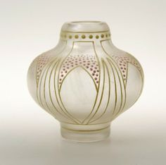 Small clear iridescent glass vase with enamelled floral motifs in yellow and pink with satin finish by Ludwig Sütterlin for Fritz Heckert, Petersdorf c. 1900