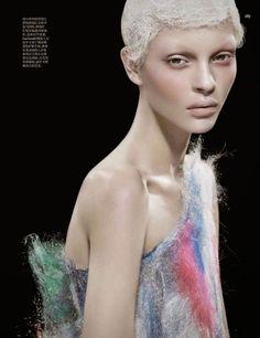 Kate-Bogucharskaia-by-David-Dunan-for-Vogue-China-April-2014-3