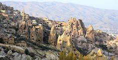 For most of us, Cappadocia looks so foreign, it could be an alien world. But Cappadocia is a region in Turkey with extraordinary natural wonders and moonscape beauty. Casa Do Rock, Places To Travel, Places To See, Travel Pics, Travel Destinations, Capadocia, Underground Cities, House On The Rock, Landscaping With Rocks