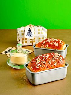 Homemade Food Gift -   Bread and Butter  The savory combination of smooth, homemade butter on fluffy white bread is a great treat for friends. The cute little loaves are easy to ship too!         Read more: Homemade Food Gifts - Edible Christmas Food Gift Ideas - Country Living